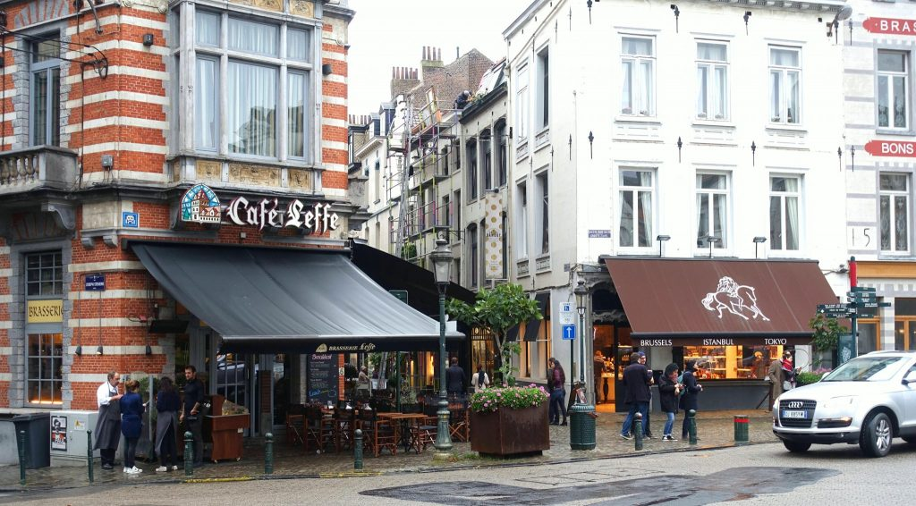 2 days in Brussels little cafe