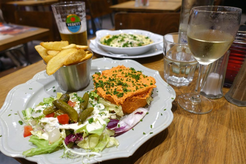 2 days in Brussels fries tartar