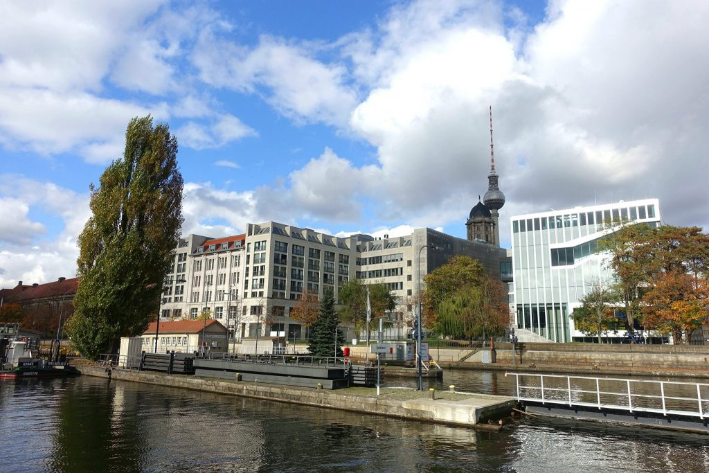 Berlin Friedrichshain-Kreuzberg Spree river view