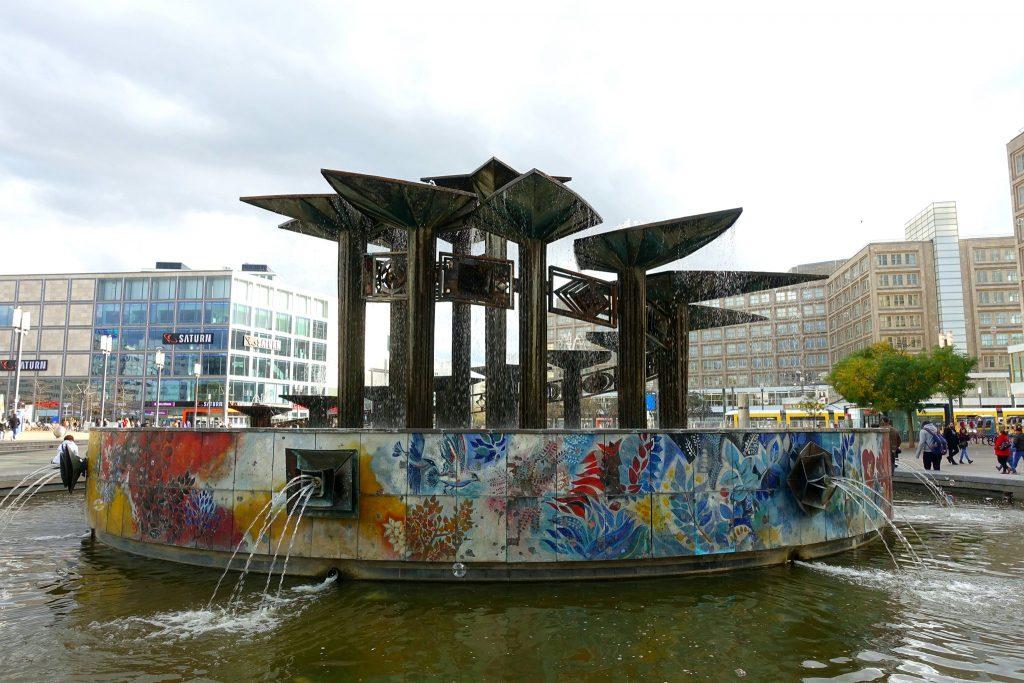 Berlin Alexanderplatz Brunnen